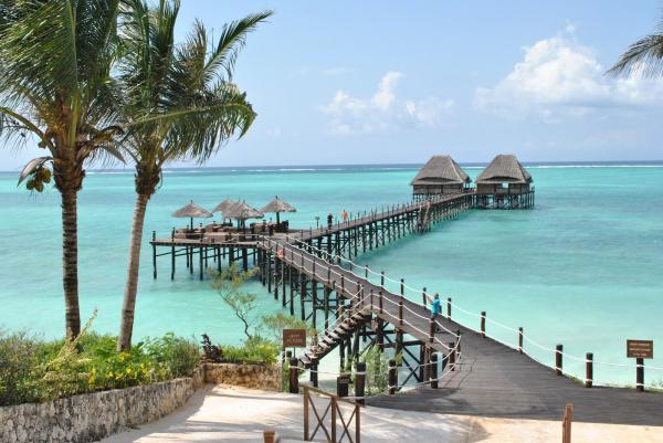 """Танзания – это лучшее место для САФАРИ! 9 дней удовольствия — от 635 Евро!!! """"Сумасшедшие приключения — вот что важно иметь в жизни! «"""